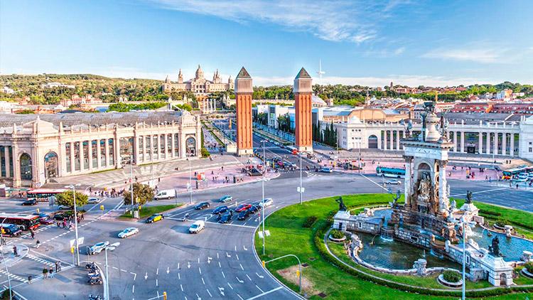 Время перелета между Барселоной и Москвой