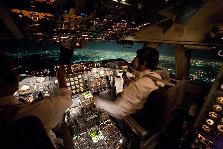 Вид из кабины пилотов самолета