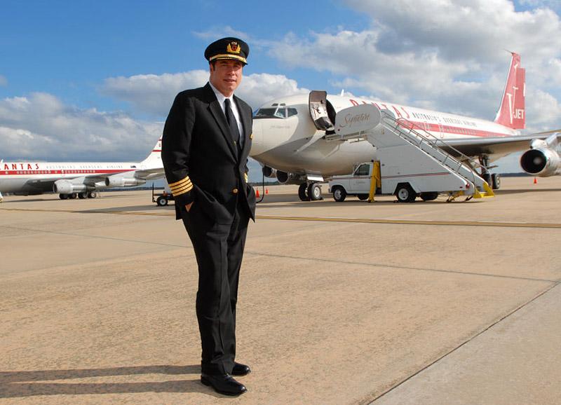 Пилот гражданской авиации Джон Траволта