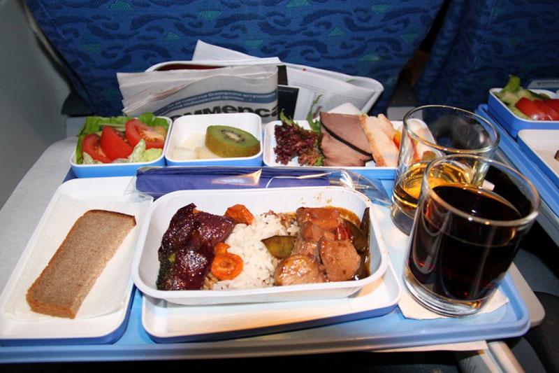 Питание на борту самолета Нордавиа