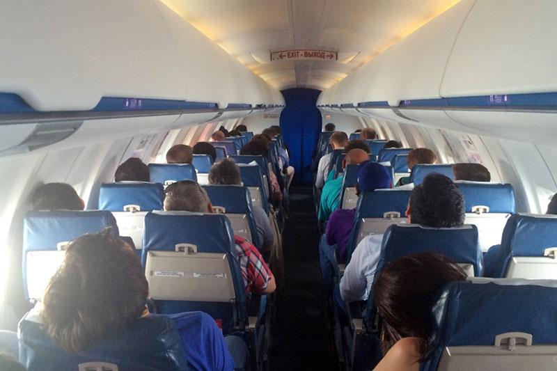 Салон самолета Bombardier CRJ100
