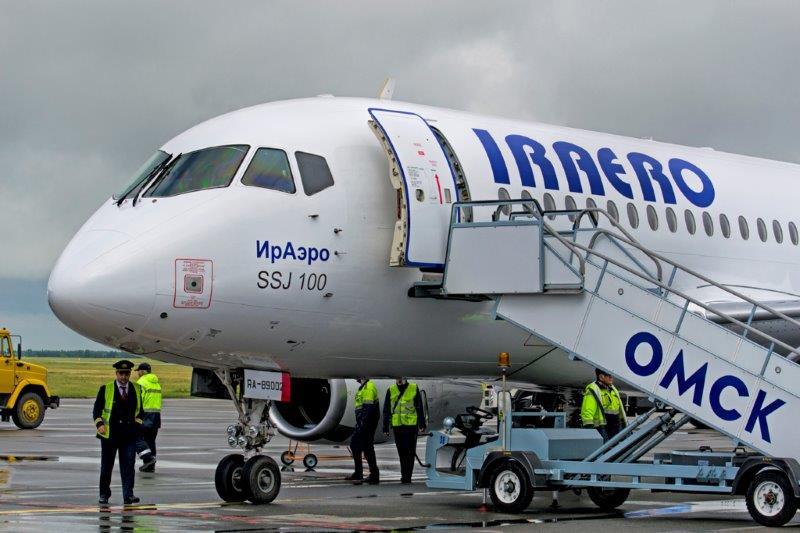Самолет Ираэро SSJ 100